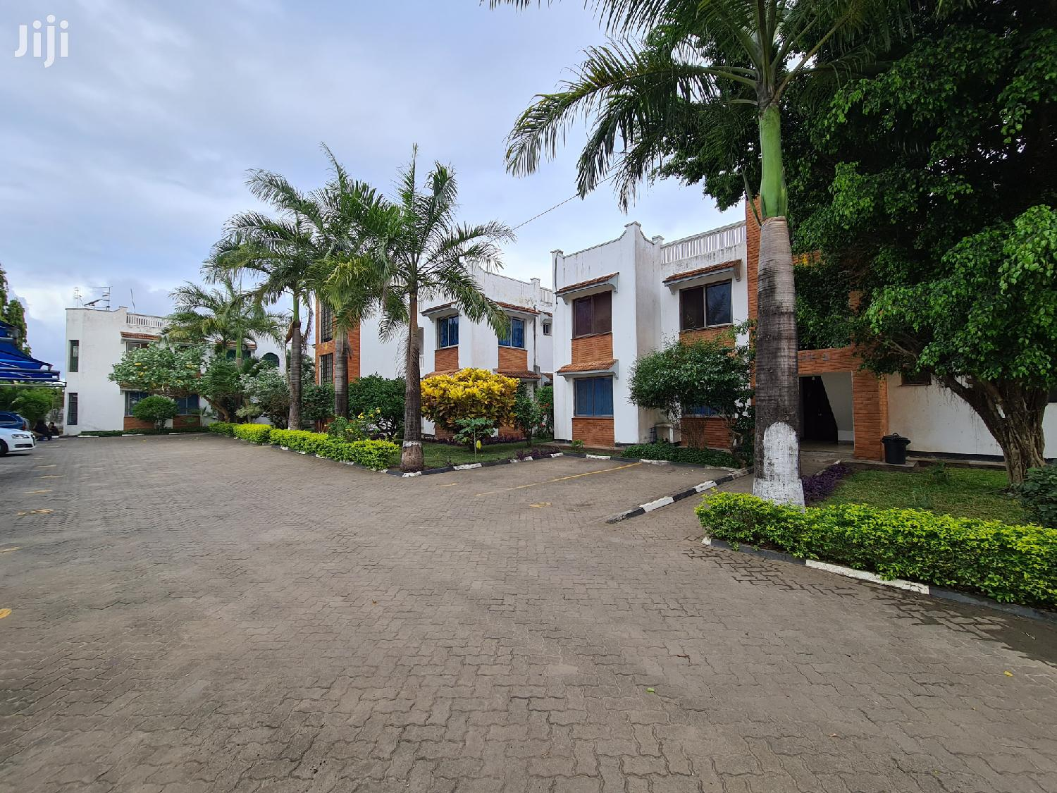 Dazzling Beautiful 3 Bedroom Apartment For Rent In Nyali.