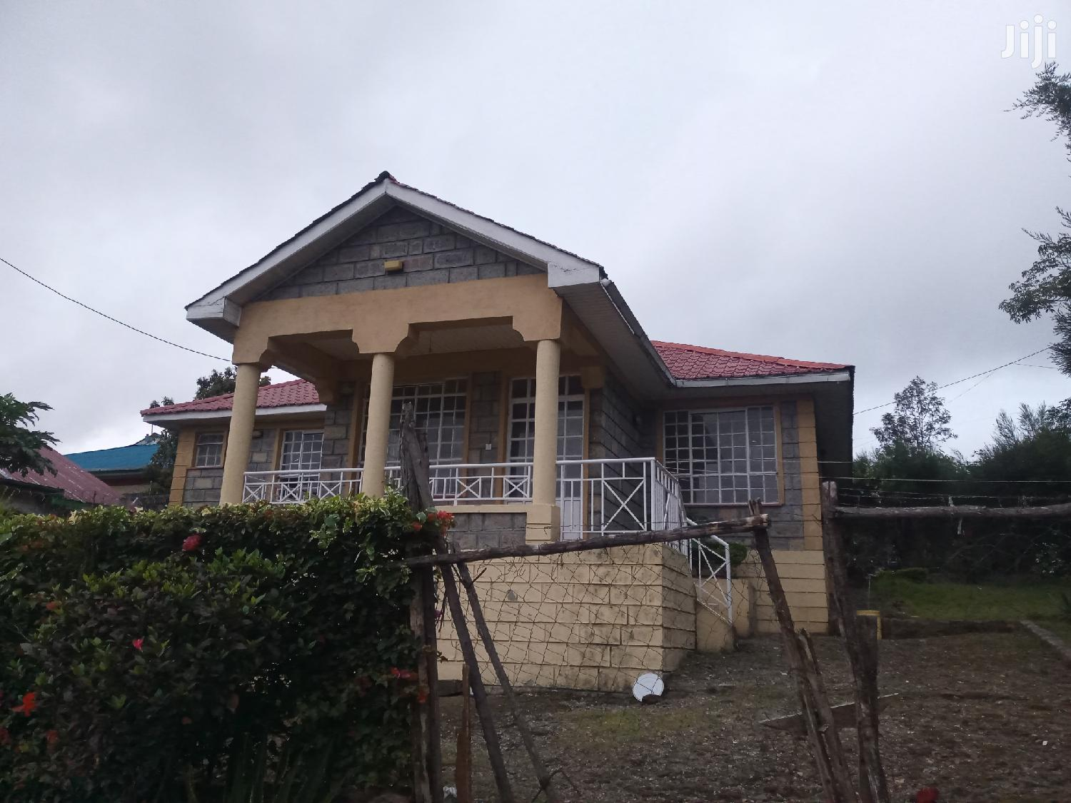 Spacious Three Bedrooms For Rent