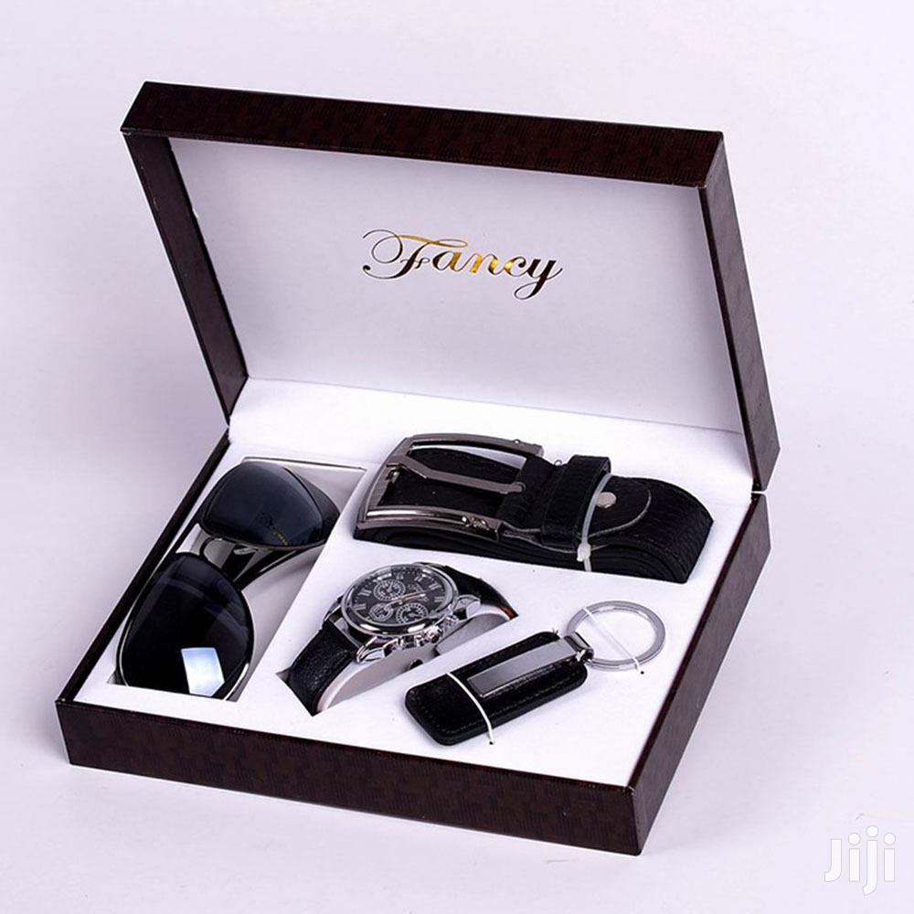 Black-white Background Luxury Men Gift Set
