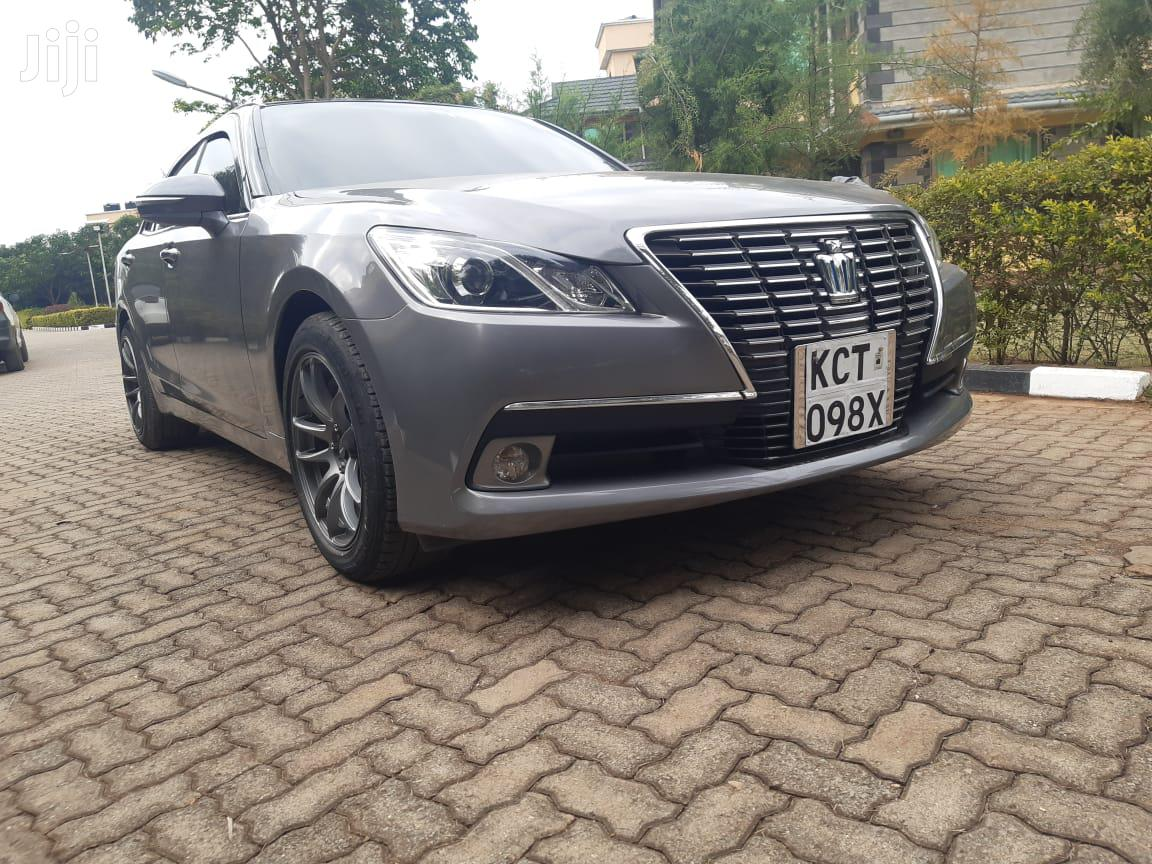 Archive: Toyota Crown 2013 Gray