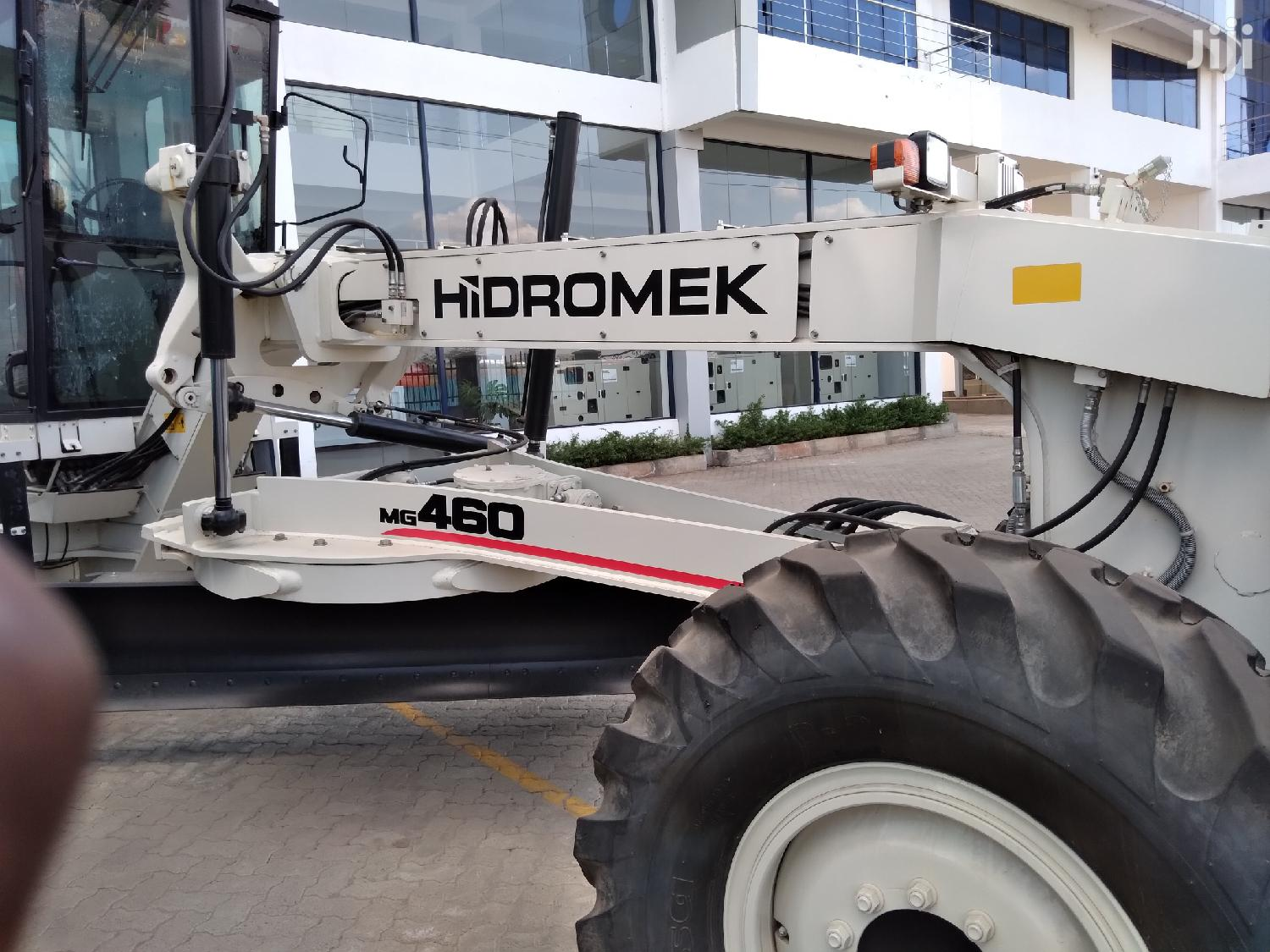 Archive: Mitsubishi Grader On Sale