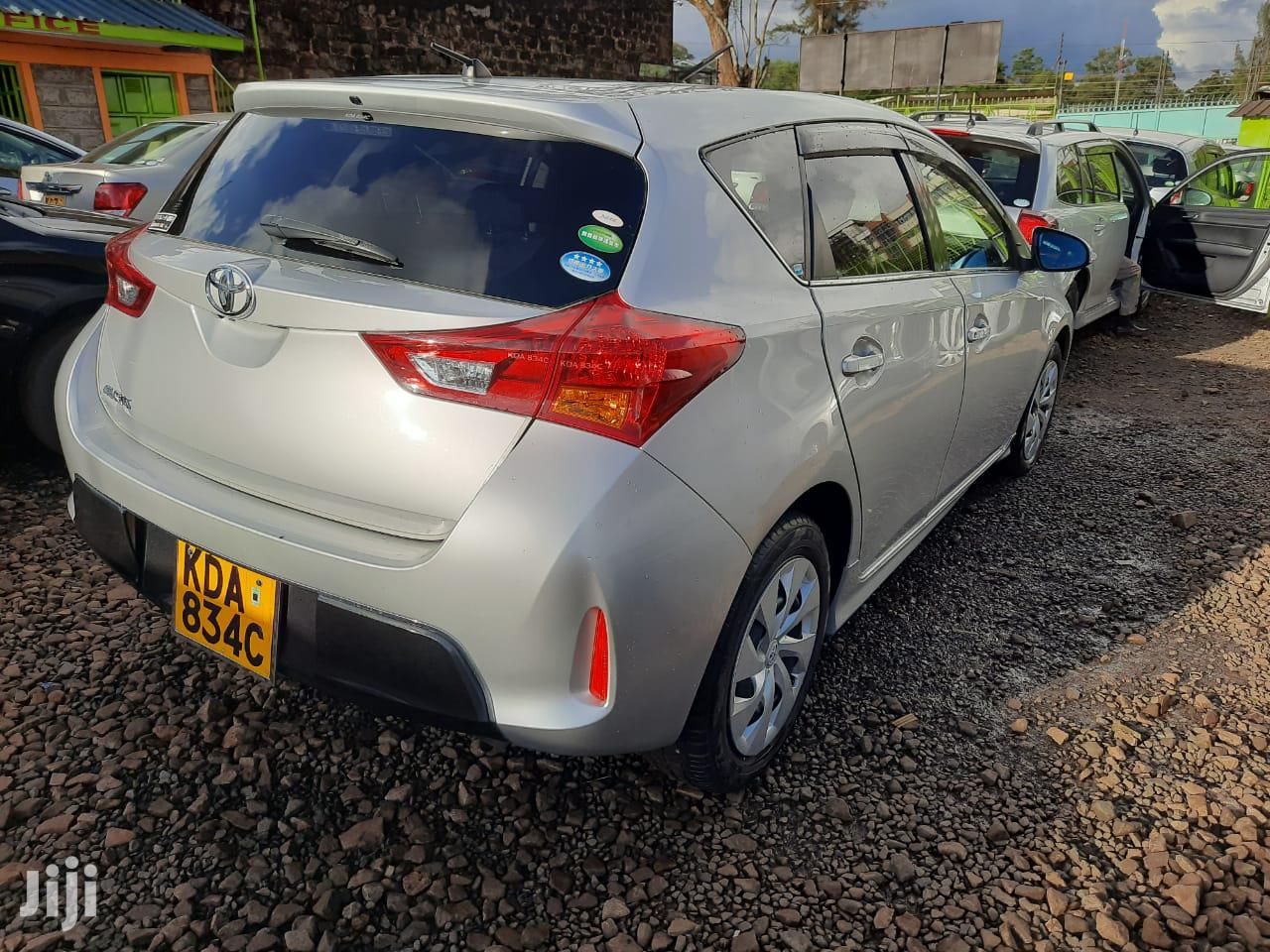 Archive: Toyota Auris 2013 Silver