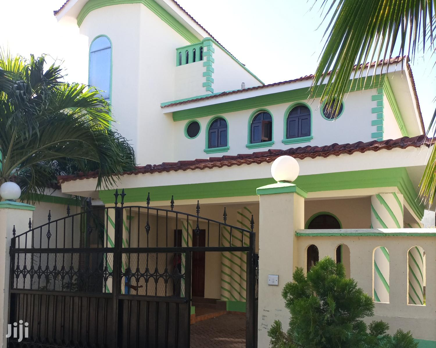 Archive: Nyali To Let Modern 4br All Ensuite Villa With Dsq