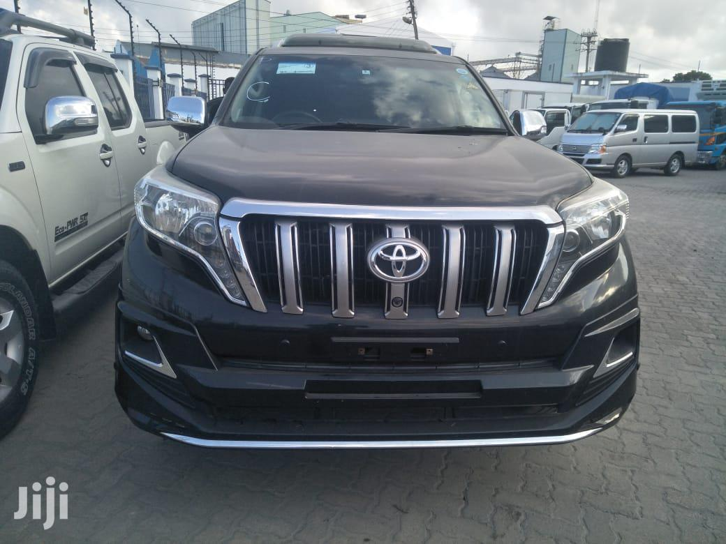 Archive: Toyota Land Cruiser Prado 2013 Black