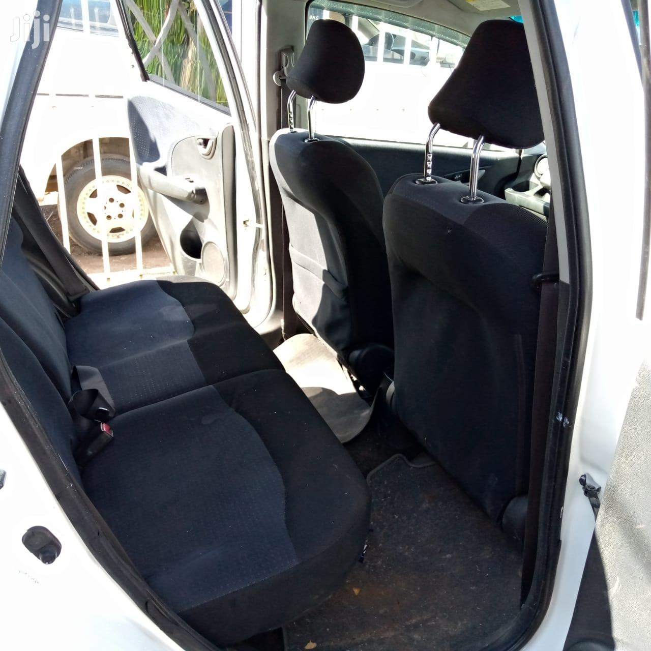 Archive: Honda Fit 2014 White