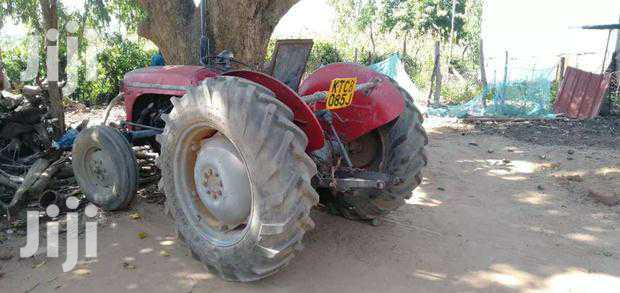 Tractor Mercy Furgerson 1997 Red For Sale | Heavy Equipment for sale in Township, Kitui, Kenya