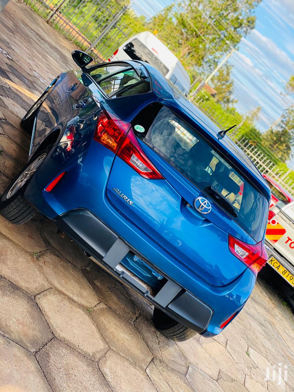 Archive: Toyota Auris 2013 Blue