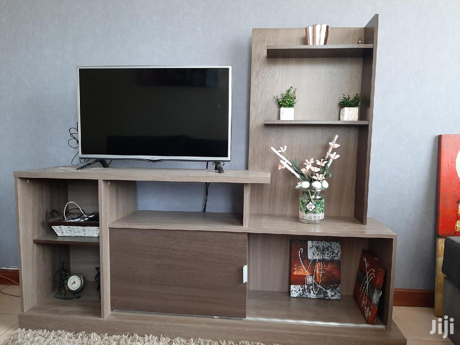 Archive: Television Stand / Modern TV Stand