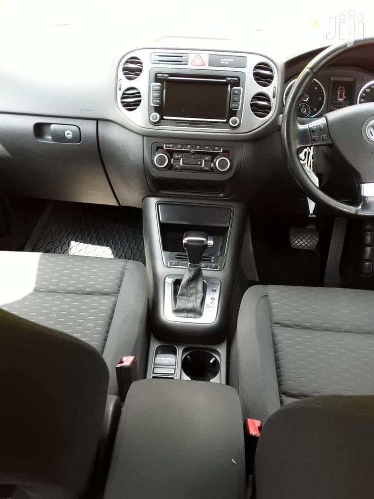 Archive: Volkswagen Tiguan 2009 2.0 SE Brown
