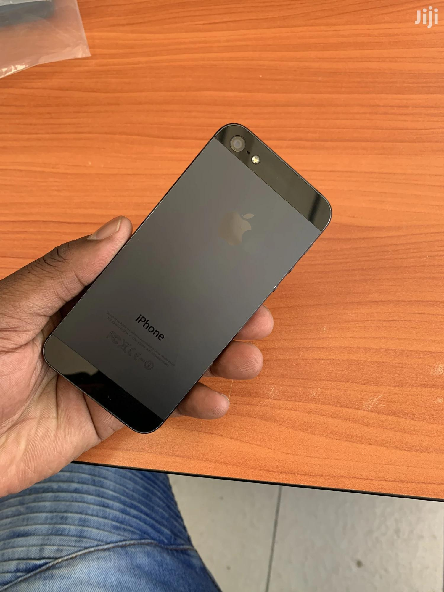 Apple iPhone 5 32 GB Gray