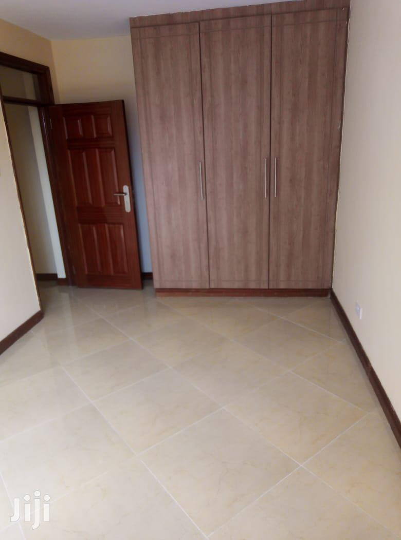 Archive: Spacious 2 Bedroom Master Ensuite to Let