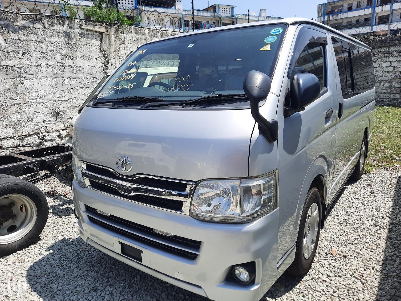 Archive: Toyota Hiace 2014 Silver