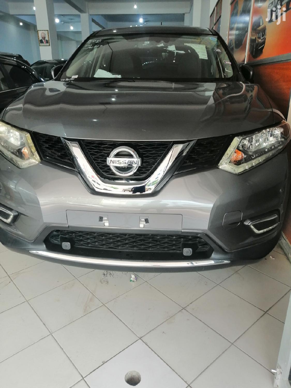 Nissan X-Trail 2014 Gray