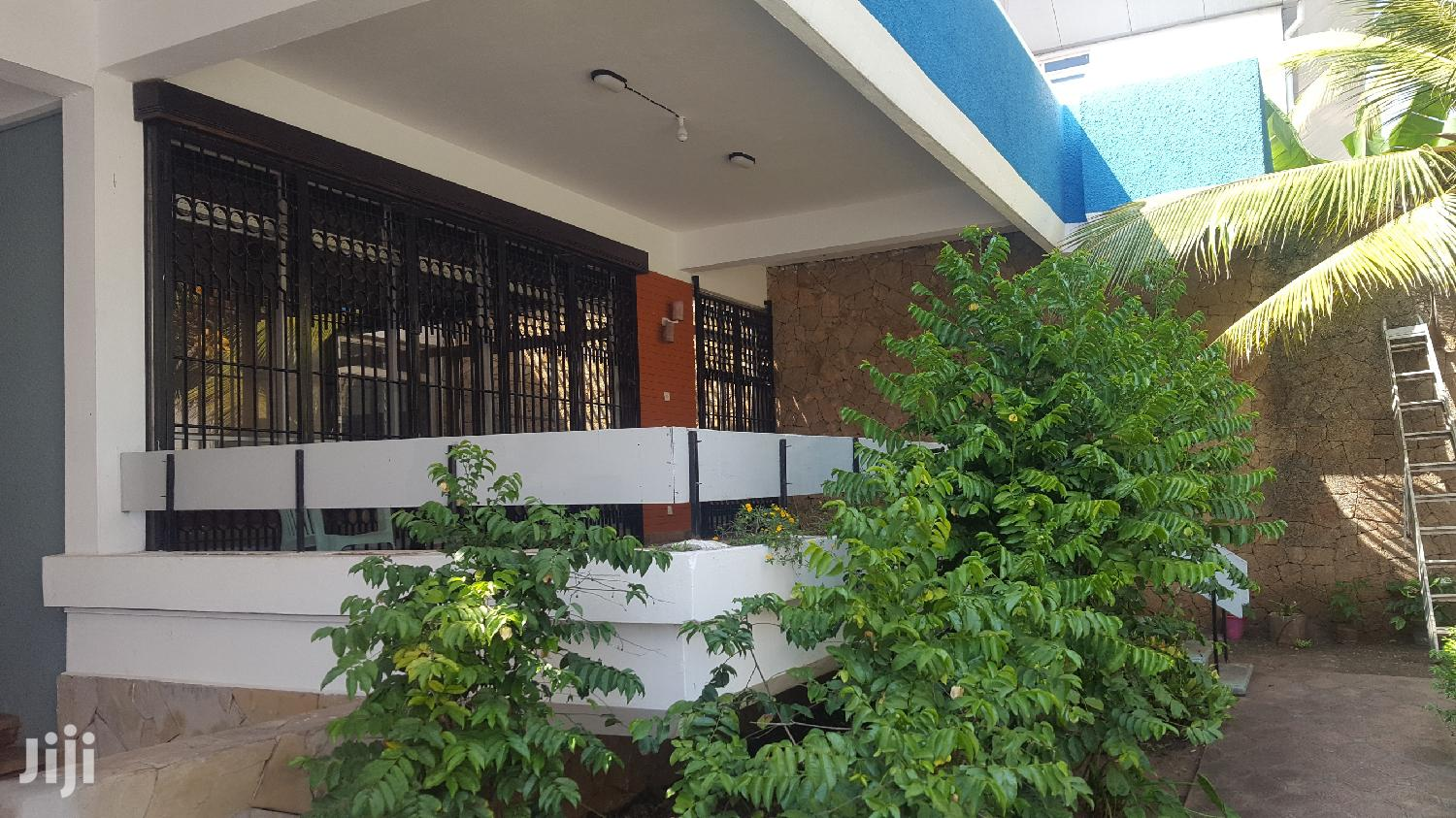 4 Bedroom Own Compound To Let Within Mombasa Cbd