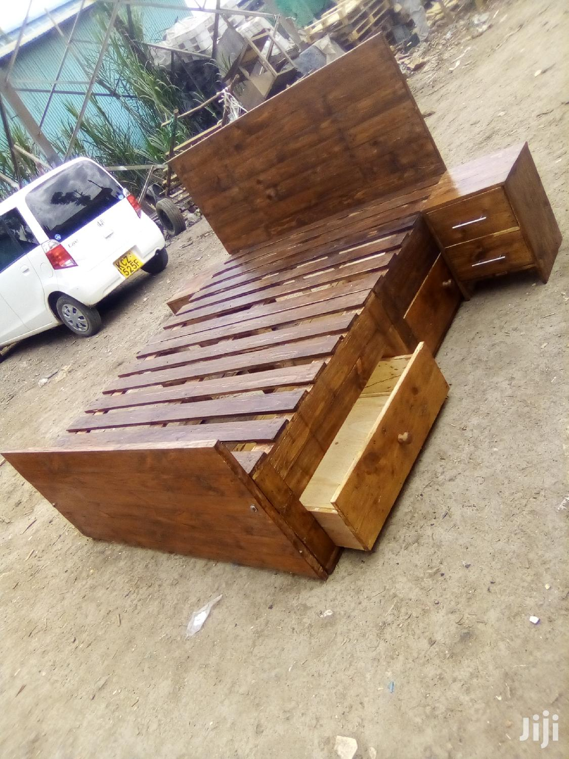 Archive: Beds/ Pallet Beds