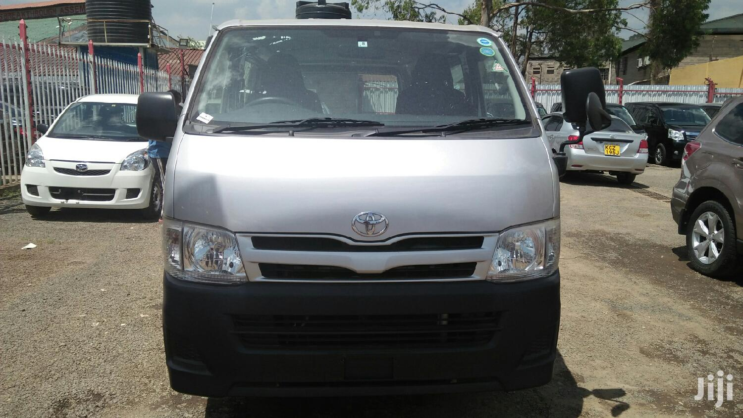 Toyota Hiace 7L Diesel Automatic 2013 Silver For Sale | Buses & Microbuses for sale in Kilimani, Nairobi, Kenya