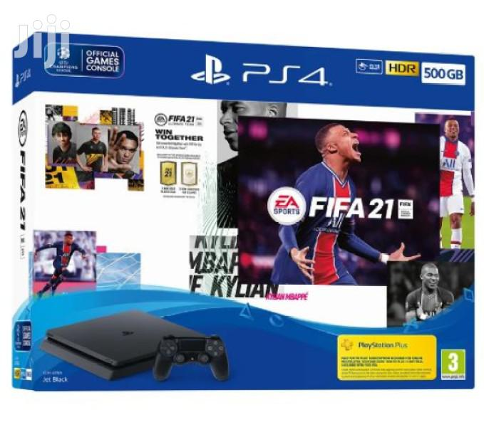 Ps4 Console, 2 Gamepads And FIFA 21