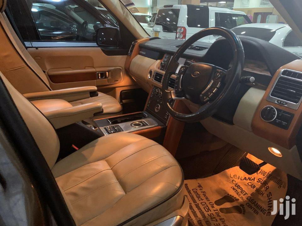 Land Rover Range Rover Sport 2011 Gold