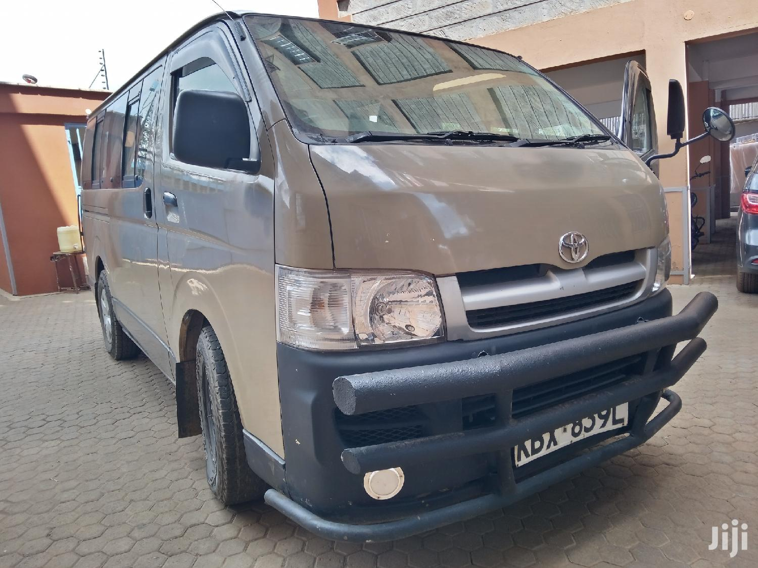 Archive: Toyota Hiace 7l. Diesel. Auto 2007 Brown For Sale