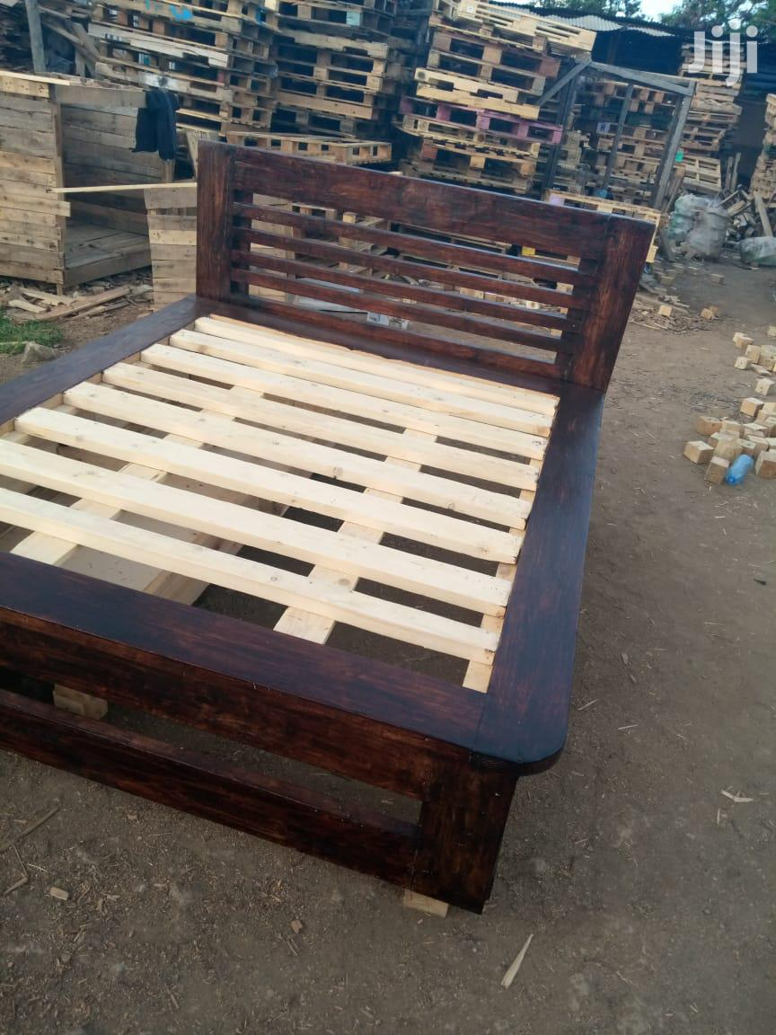 Archive: Rustic Pallet Beds
