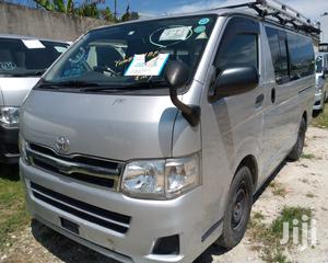Toyota Hiace Diesel Engine Automatic Transmission | Buses & Microbuses for sale in Mombasa, Mvita