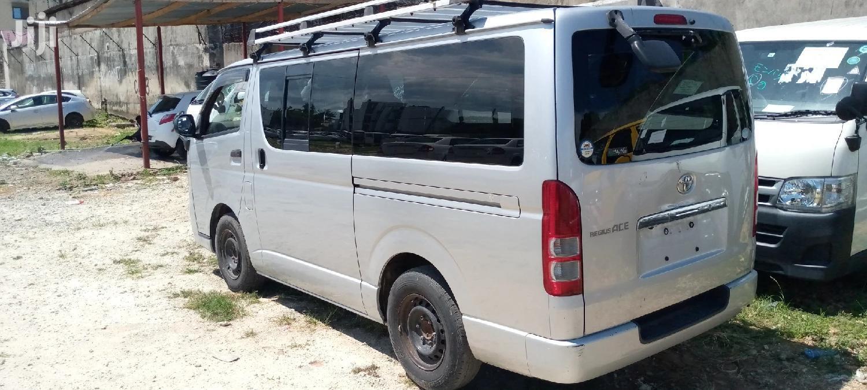 Toyota Hiace Diesel Engine Automatic Transmission | Buses & Microbuses for sale in Mvita, Mombasa, Kenya