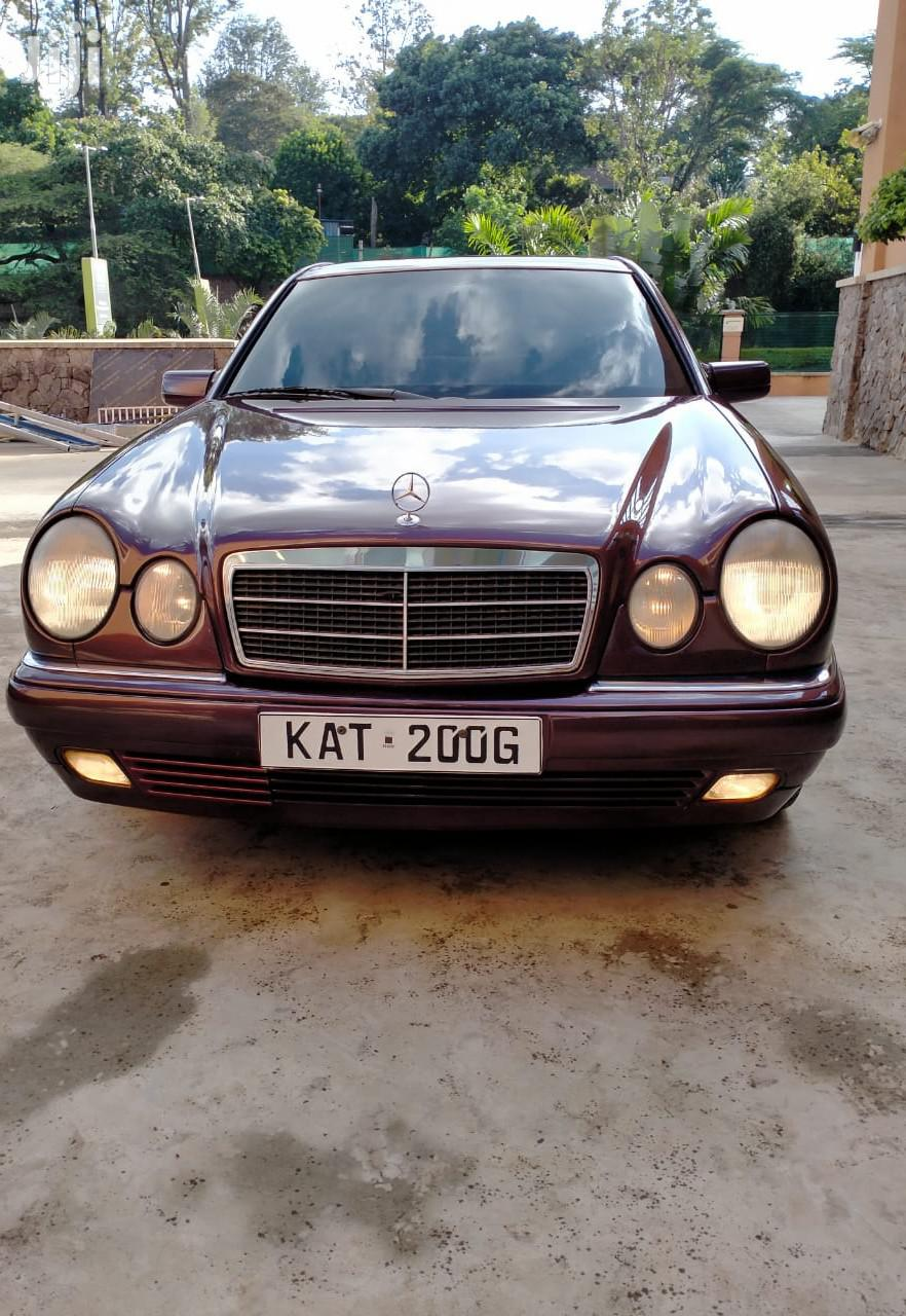 Archive: Mercedes-Benz E200 1998 Red