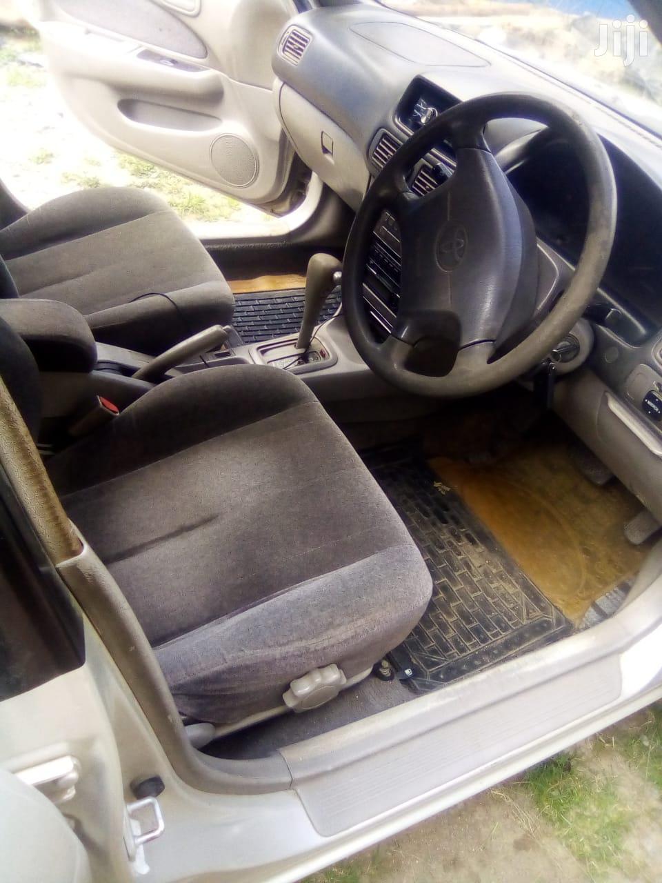 Archive: Toyota Corolla 1999 Sedan Gray