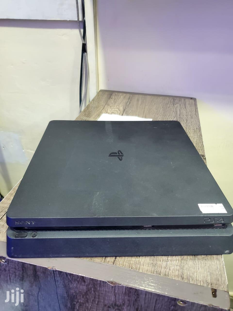 Well Used Ps4 Slim(500gb)