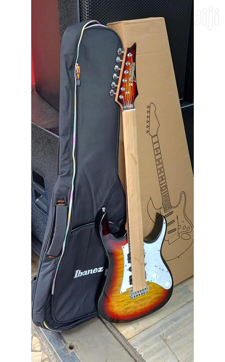 Archive: Solo Guitar With Guitar Bag