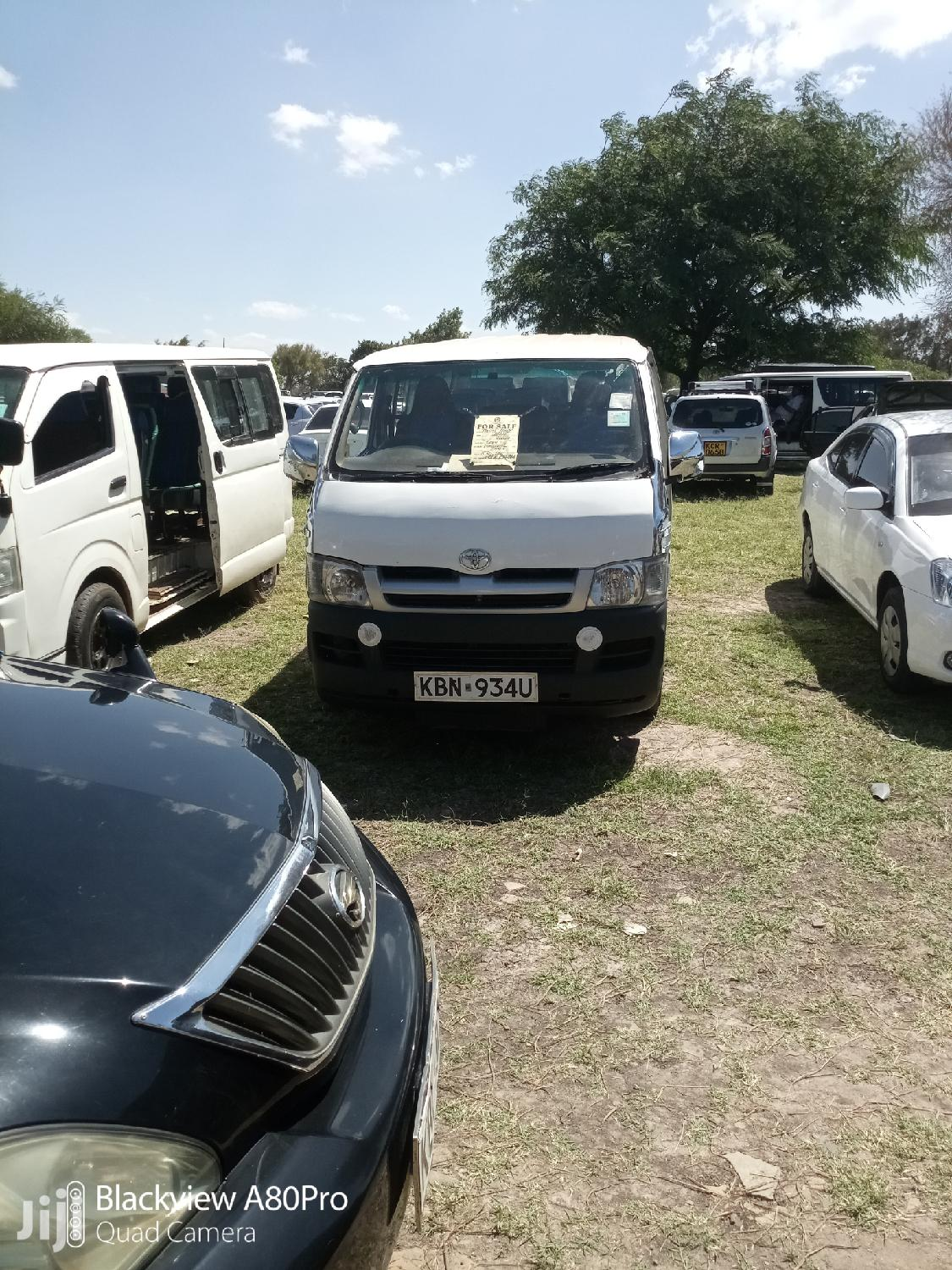 Toyota Hiace With 5l Engine And Gear Clean For Any Transport | Buses & Microbuses for sale in Nairobi Central, Nairobi, Kenya
