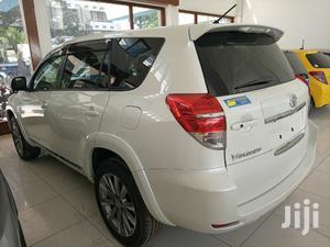 Toyota Vanguard 2013 White | Cars for sale in Mvita, Majengo