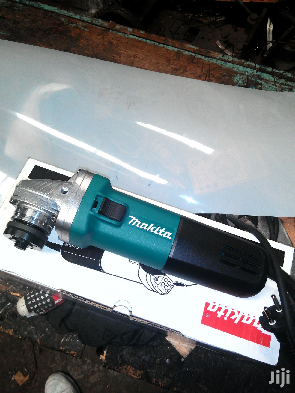 Makita Grinder 4 1/2 Inch ( Medium) | Electrical Tools for sale in Ziwani/Kariokor, Nairobi, Kenya