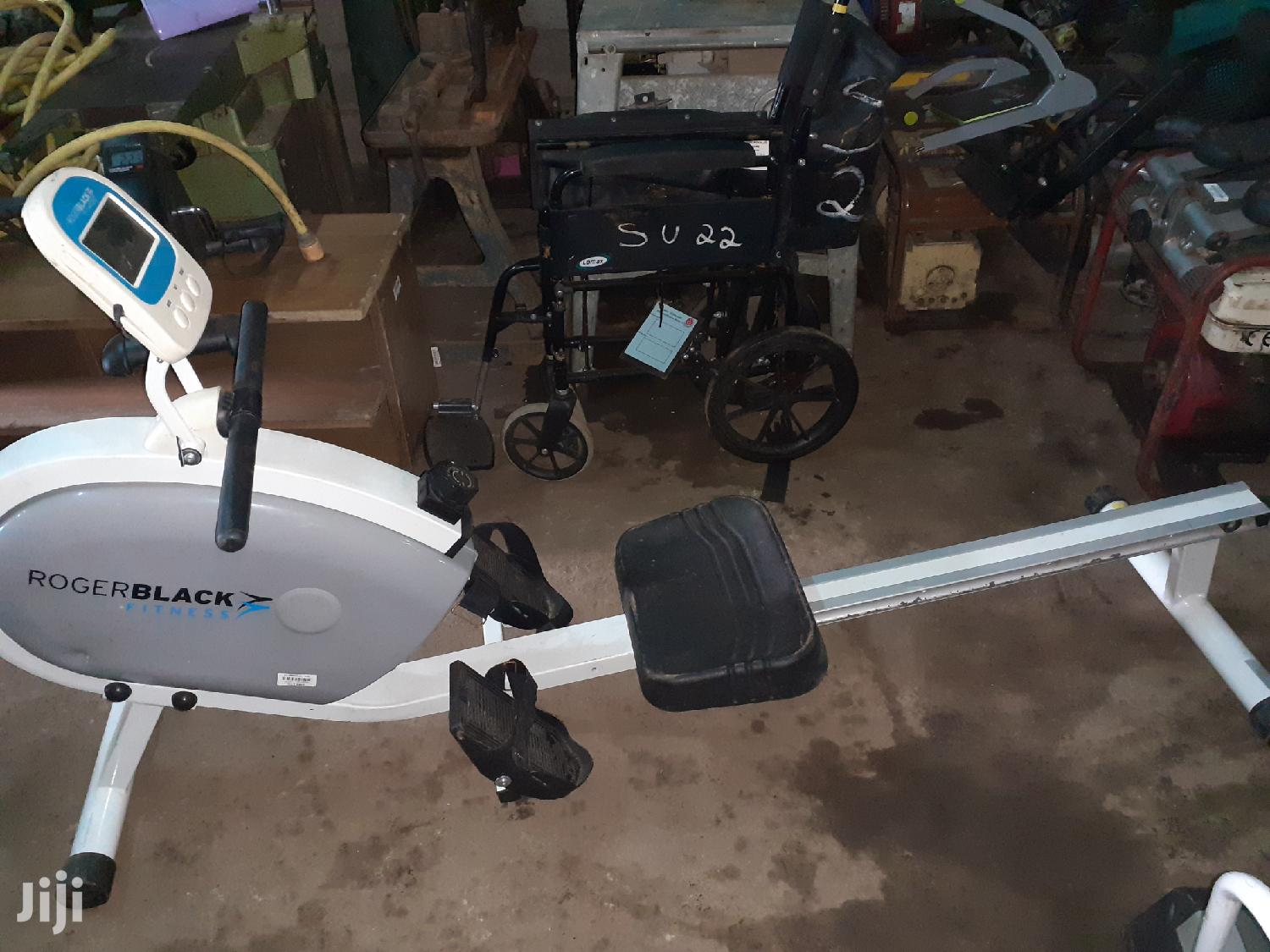 Ex Uk Commercial Rowing Gym Machine