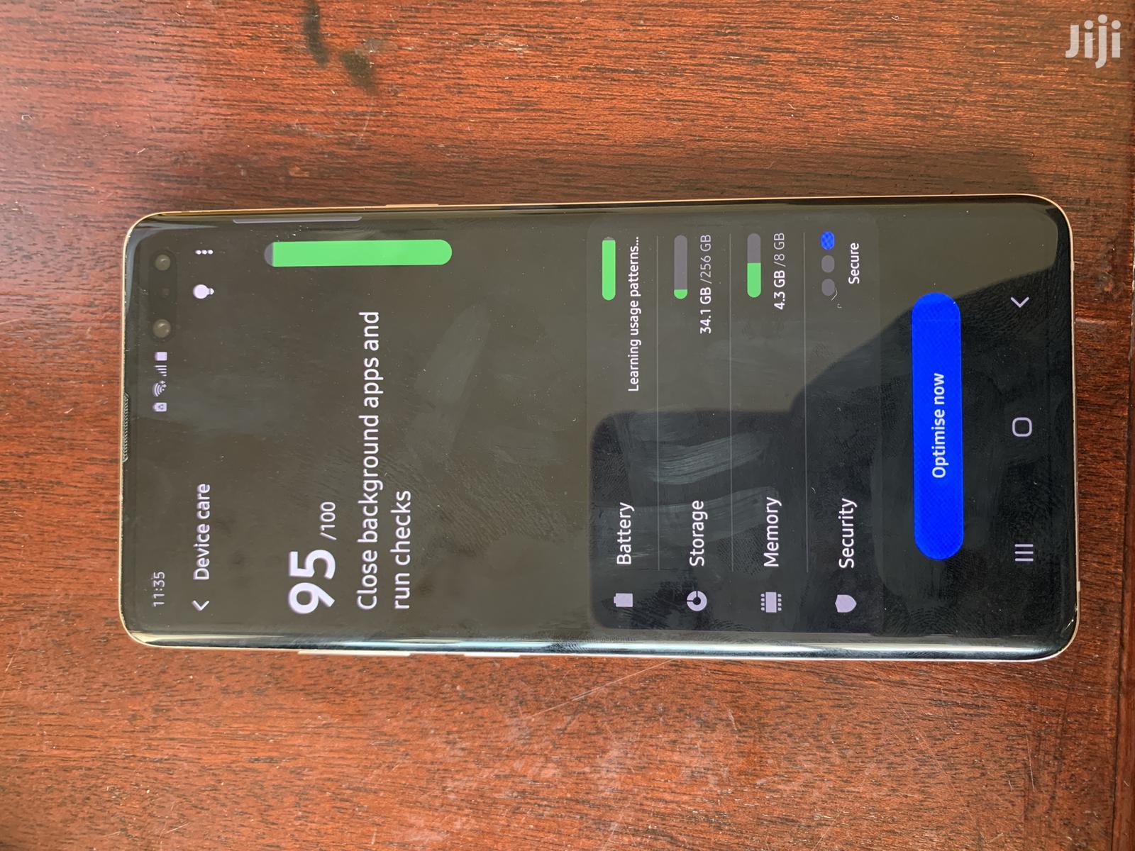 New Samsung Galaxy S10 5G 256 GB Gold