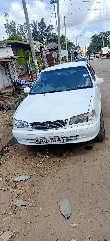 Toyota Corolla 2002 White
