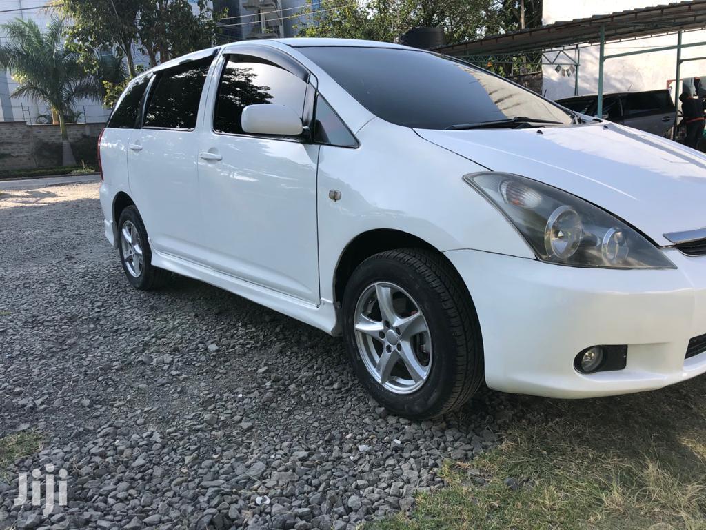 Archive: Toyota Wish 2003 White