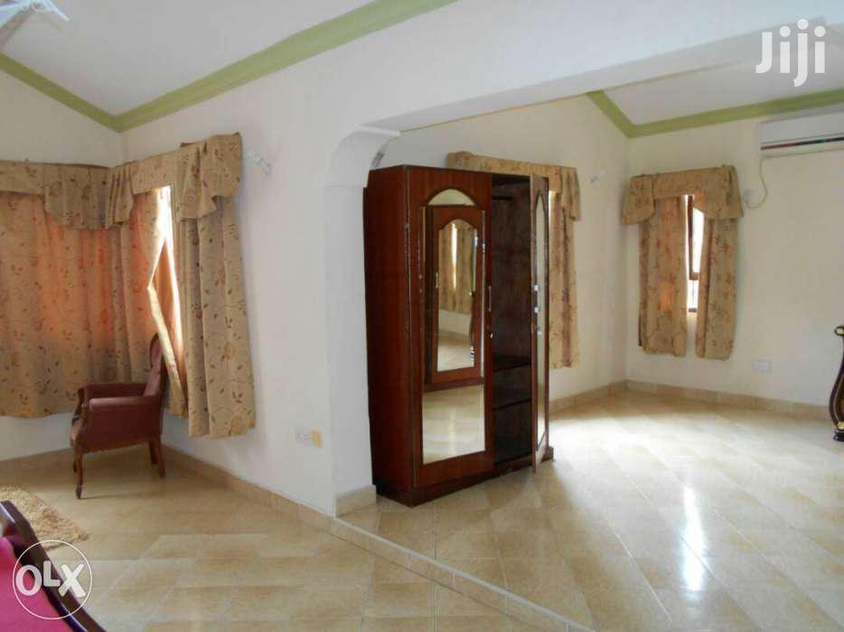 Furnished 4 Bedroom House Own Compound With A Pool And Lovely Garden | Short Let for sale in Mkomani, Mombasa, Kenya