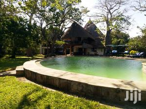 5 Bedroom All En-Suite Beach Front Villa for Sale in Diani/G   Houses & Apartments For Sale for sale in Kwale, Kinondo