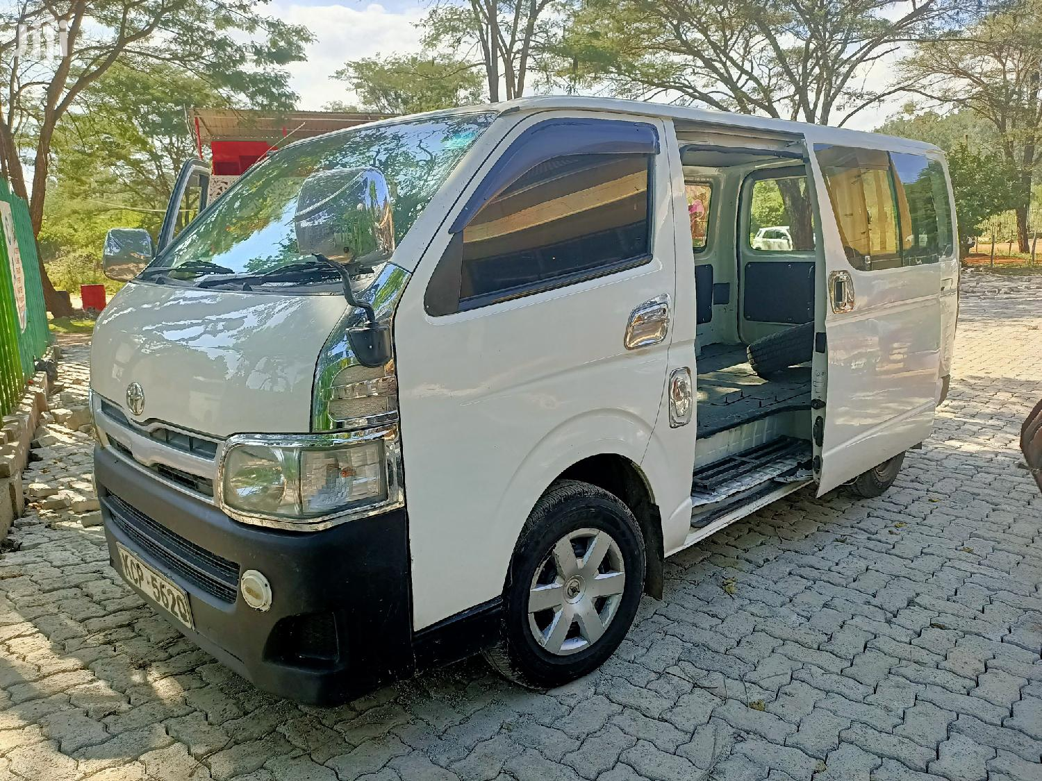Toyota Hiace Auto Diesel 2010 Super Clean Buy and Drive