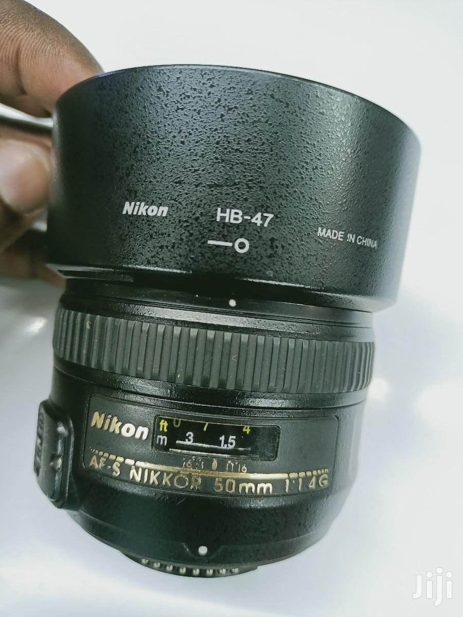 Nikon AF-S Nikkor 50mm Zoom Lens