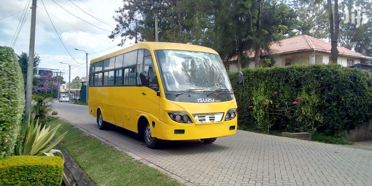 Isuzu Nqr Bus