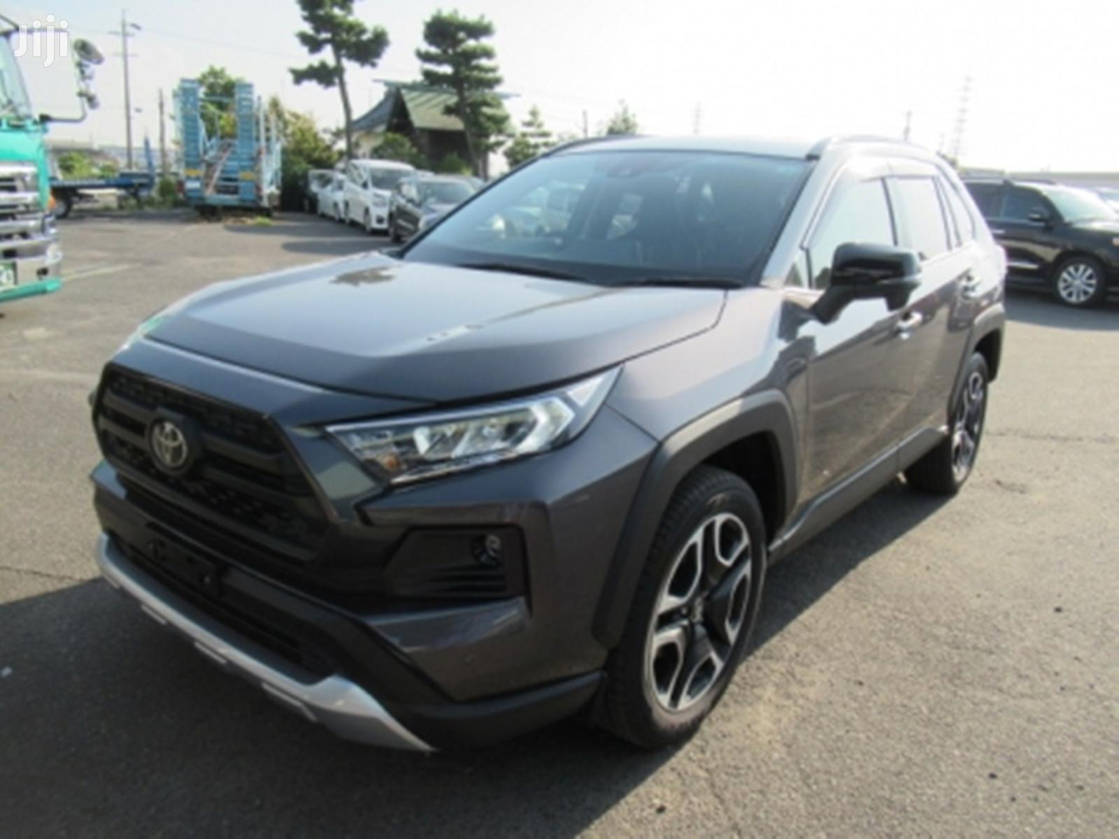 Archive: New Toyota RAV4 2019 Gray