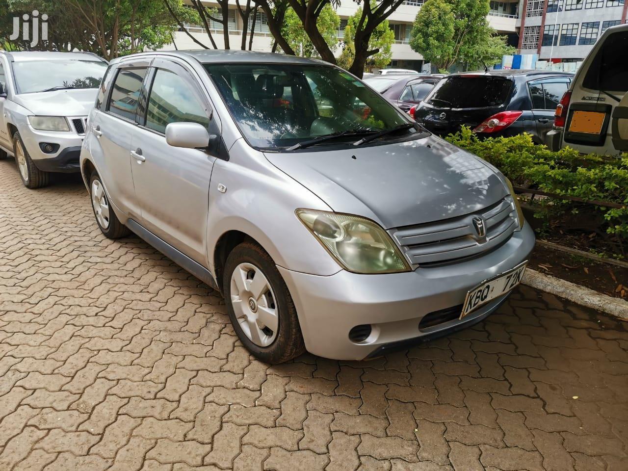 Toyota IST 2005 Silver