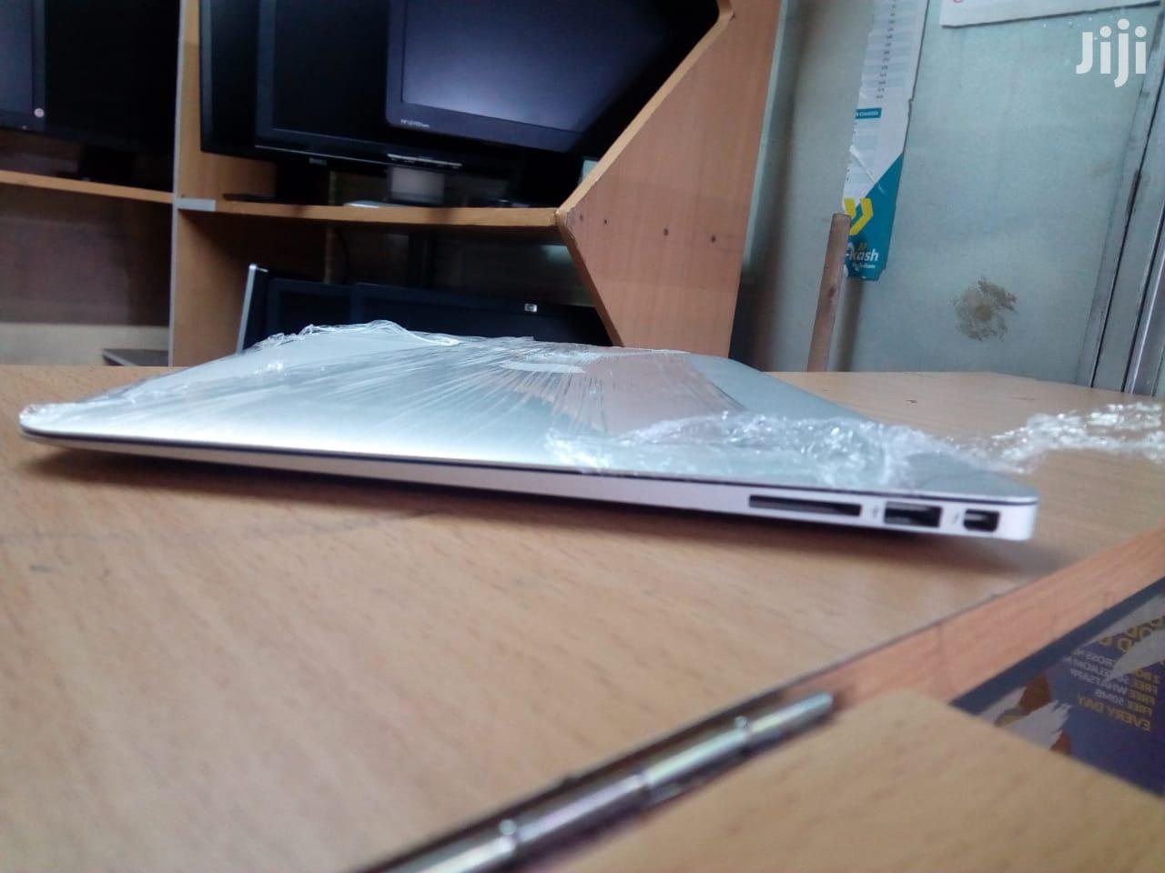 Archive: Apple Macbook Air 13 Inches 500Gb Ssd Core i5 4Gb Ram
