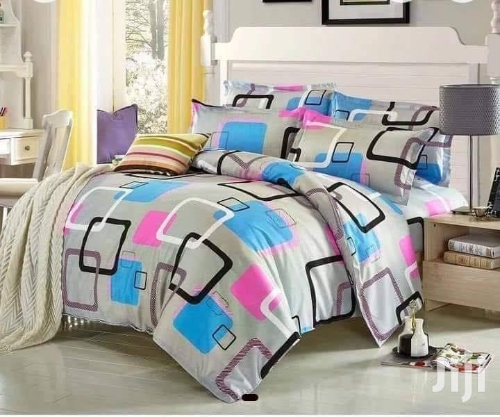 4x6 Duvet +1 Bedsheet 2 Pillowcases