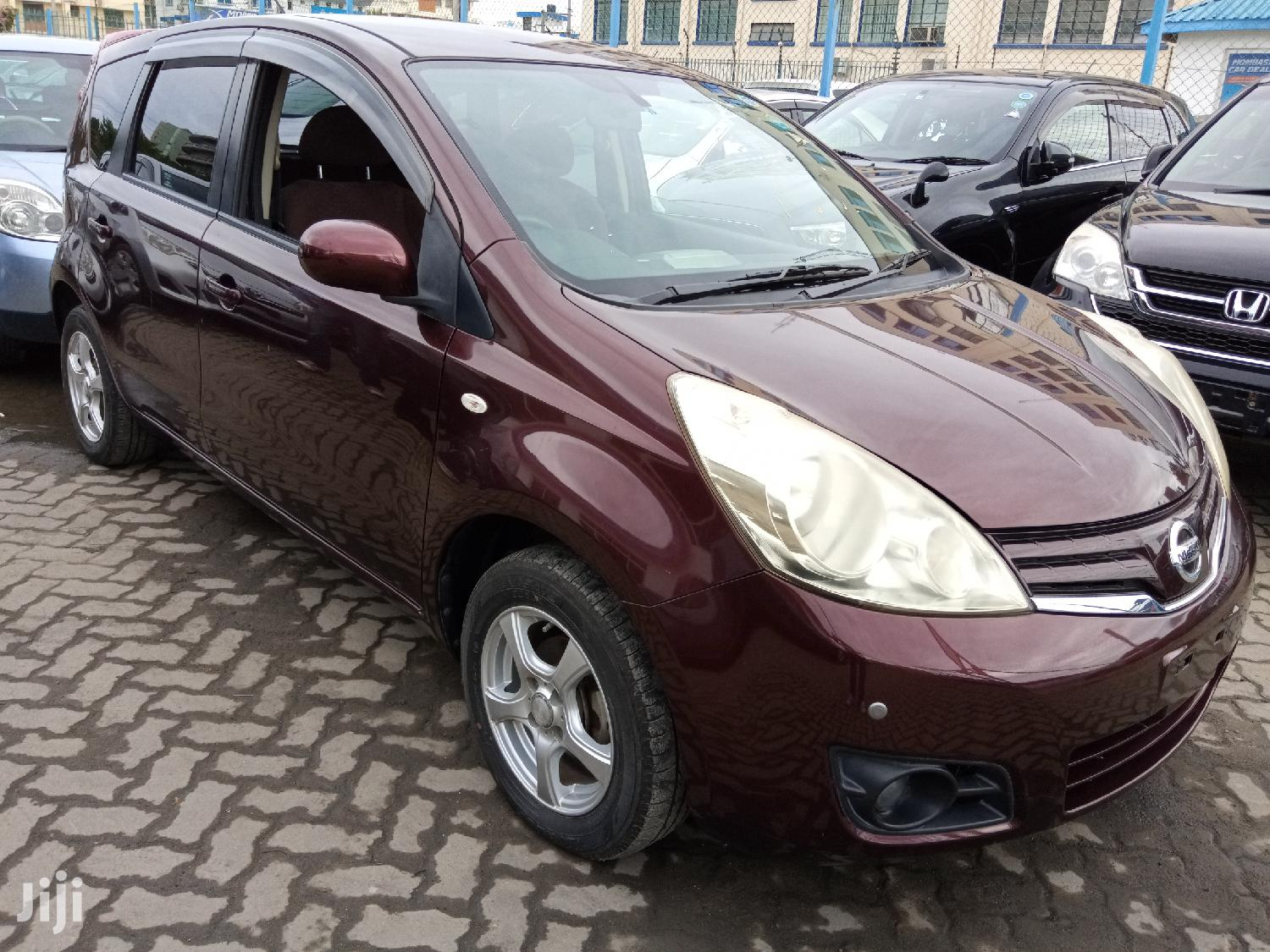 Nissan Note 2011 1.4 Red