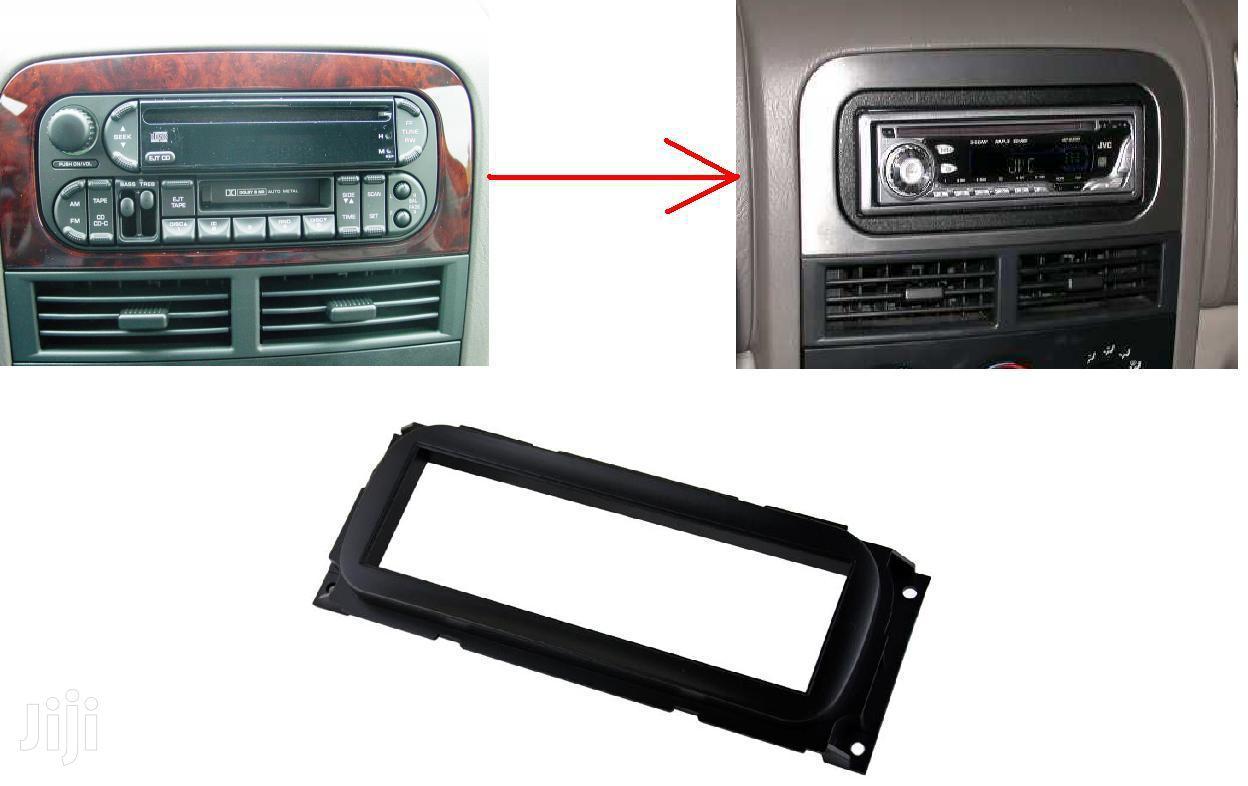 Jeep Grand Cherokee: Single Din Stereo Fascia Kit