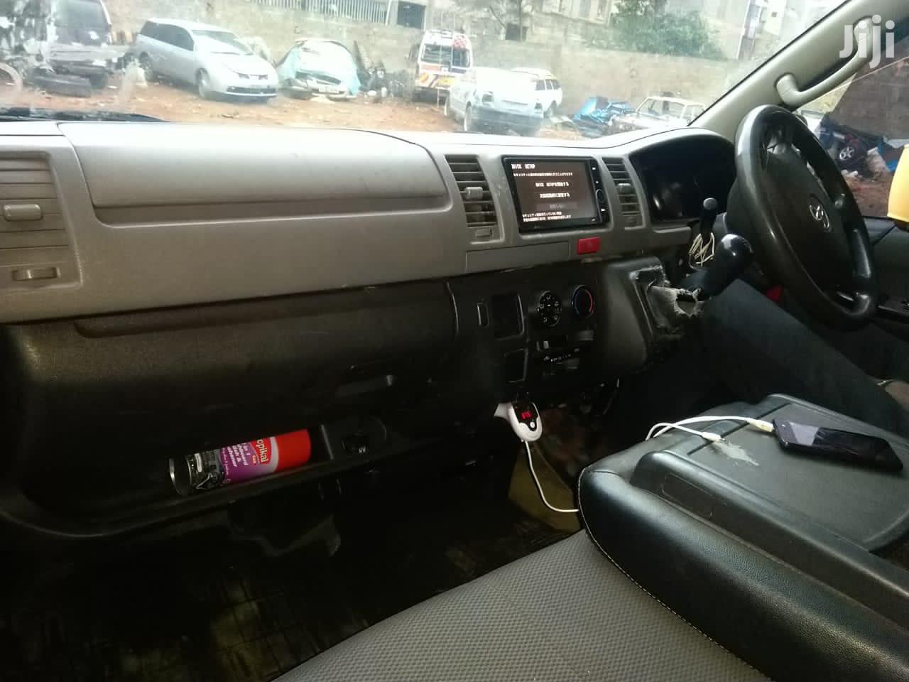 Archive: Toyota HIACE Manual Petrol 1tr Engine, Tour Van