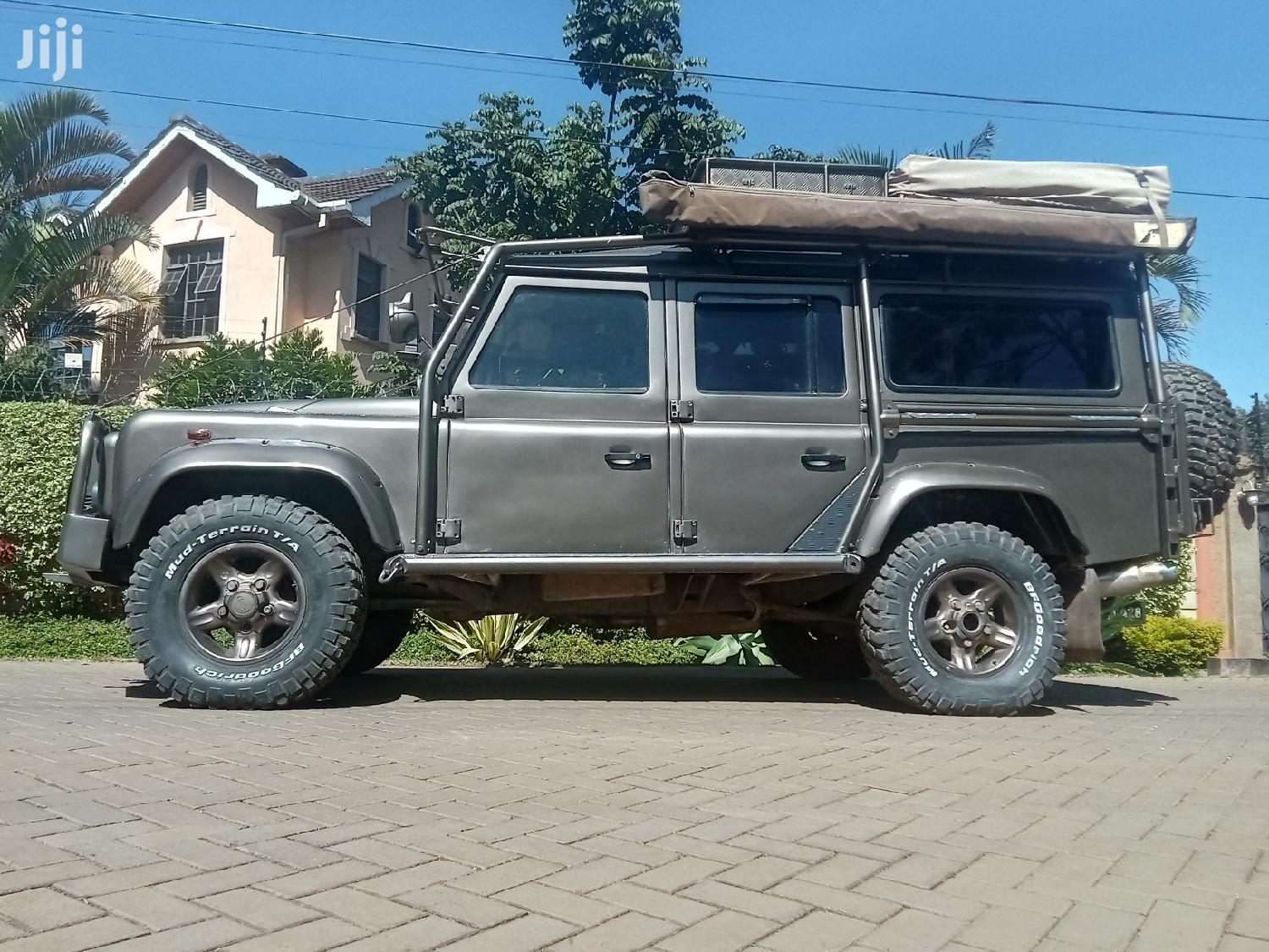 Archive: Land Rover Defender 1990 Brown